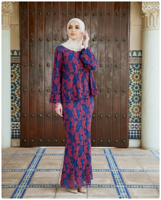 X9033- JULIA KURUNG- IN RED IN BLUE ( Free Size )