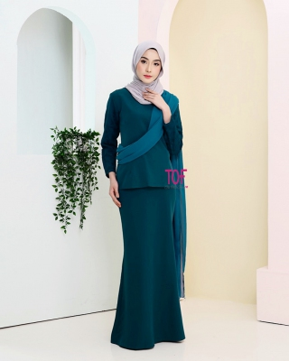 Y0144 - LYDIA KURUNG - IN EMERALD GREEN