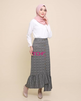 P905 JESSY SKIRT IN GREY LINE