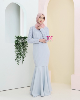 Y0142 - SHERLY KURUNG - IN LIGHT BLUE