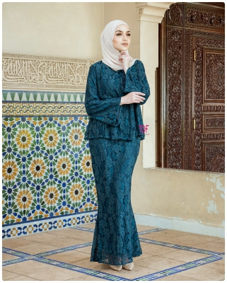 X9033- JULIA KURUNG- IN EMERALD GREEN ( Free Size )
