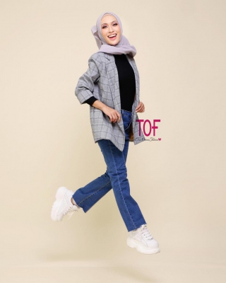 1717 AUTUMN OVERSIZE BLAZER IN GREY + BLACK LINE